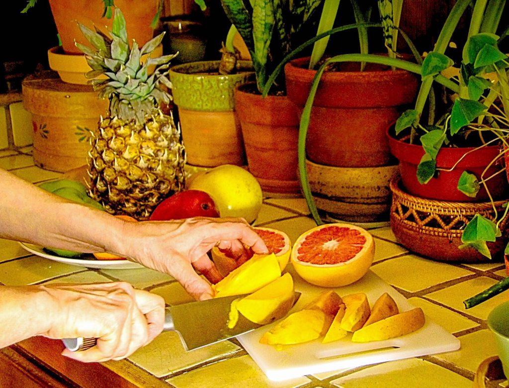Kitchen Utensils: Amosteel Professional Chef Knife