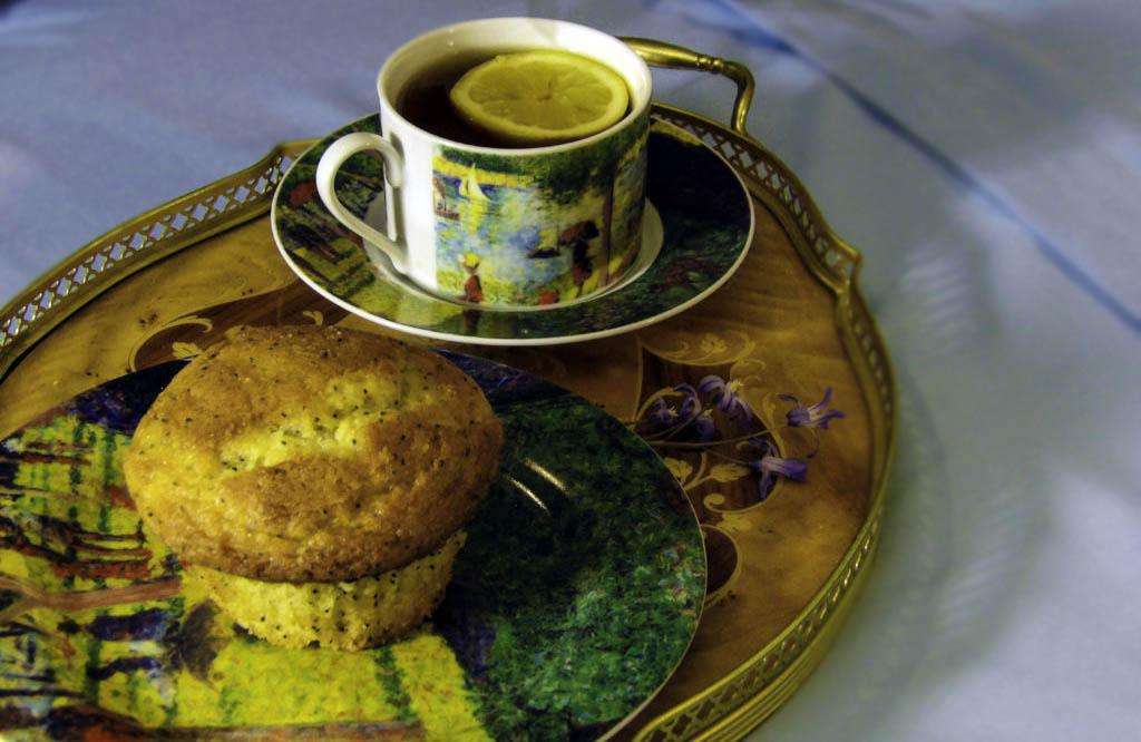 Brunch Recipe: Fluffy Lemon Poppyseed Muffins