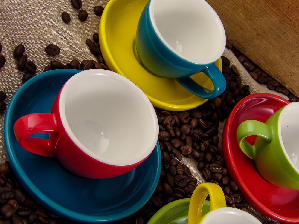 Gifts For Foodies: Easy Living Goods Espresso Cups and Saucers Set